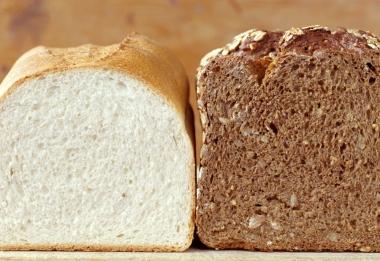 White bread and brown bread
