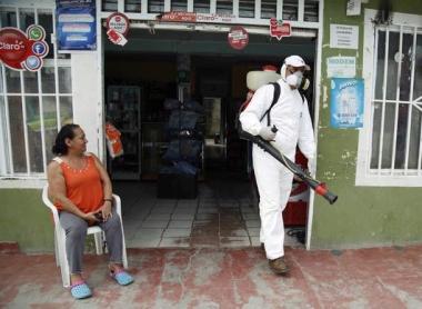 ZikaSpraying8